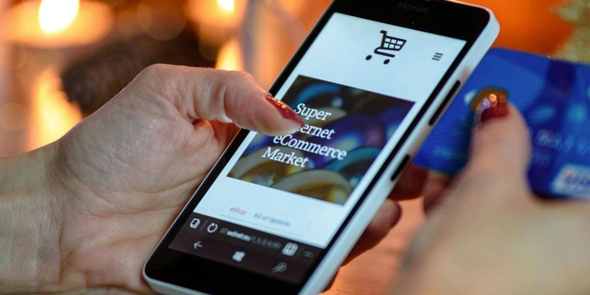 Smartphone ze sklepem e-commerce